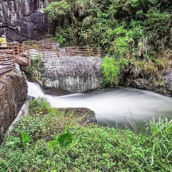 """广东有个""""岭南第一瀑"""",竟然可以媲美黄果树瀑布,而且还分5级"""